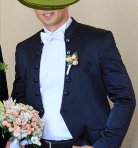 Торг!!!Эффектный костюм+ рубашка и аксессуары.