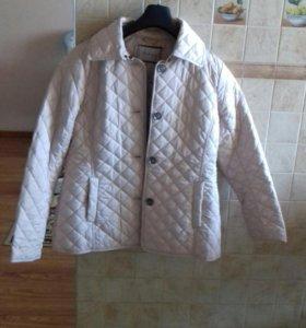 Продам курточку весна -осень новая