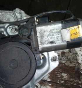 Стеклоподъёмник БМВ е34