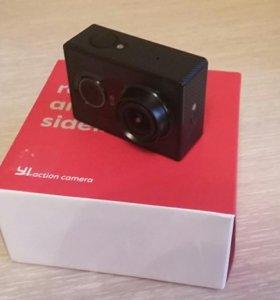 Экшен камера YI