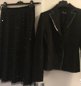 Новый Нарядный костюм - юбка и пиджак
