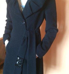 Пальто шикарное эксклюзивное