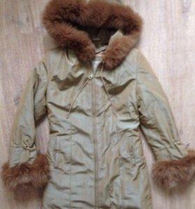 Пальто женское зимнее с мехом (подкладка) в о/с XS