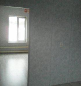 Продам однокомнатную полублого устроеную квартиру