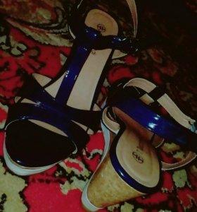 Качественные модные туфли