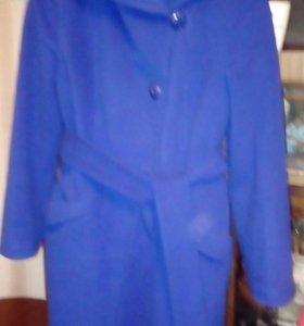 Продаю димисизонное пальто