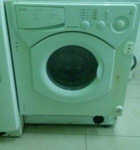 ARISTON встраеваемая стиральная машинка