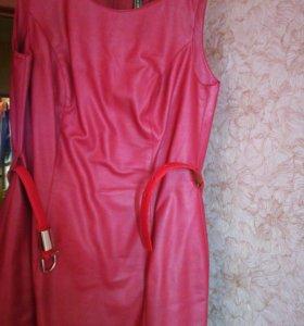 Платье из кожезаменителя на подкладке