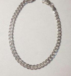 Женские серебряные браслеты