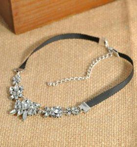 Ожерелье чокер с кристаллами