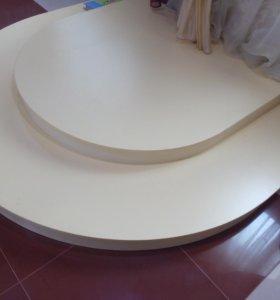 Подиумы(овал,круг,уголок),вешалка.