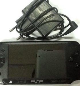 PSP Sony E1008 (Гарантия, отличное состояние)