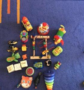 Набор игрушек для малыша