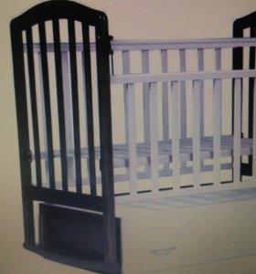 Детская кроватка +матрас+балдахин