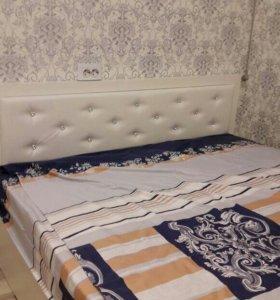 Кровать  красивая