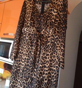 Платье атласное леопардовое