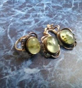 Серебряный комплект ( серьги +кольцо)