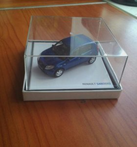 Модель автомобиля Рено Сандеро