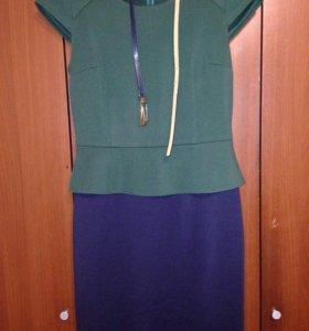 Платье размера М