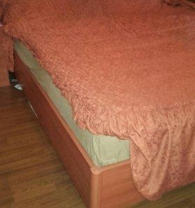 Матрас,кровать.