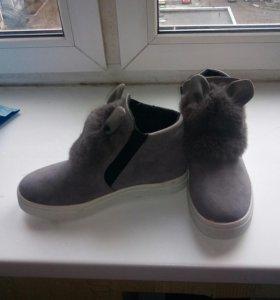 Слипоны новые ботинки весна с ушками с мехом