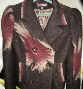Тёплый пиджак-полупальто