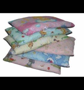 Подушка для новорождённого в кроватку новая