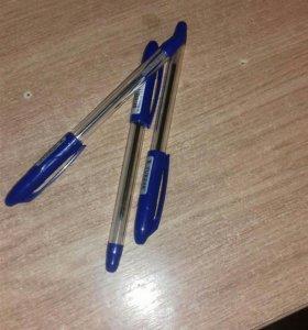 Гелиевая ручка.