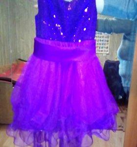 Платье нарядное новое на рост до 110