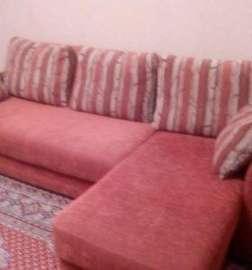 Диван и кресло- качалка