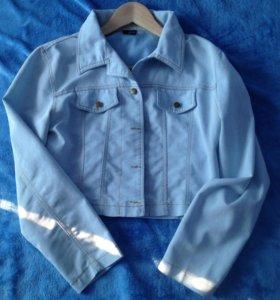 Джинсовая куртка (m)