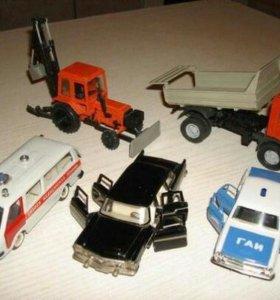 Четыре модельки и трактор