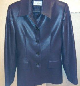 Пиджак черный, под кожу