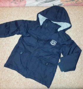 Куртка на мальчика 3-4 лет.