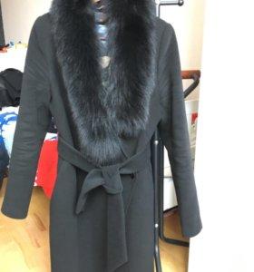 🔝 Пальто с песцовым воротником 46 размер