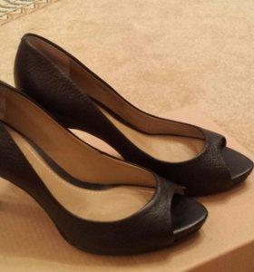 Новые туфли 35 размер