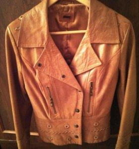 Натуральная кожаная куртка с отделкой из замши