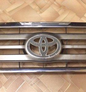 Решетка радиатора Toyota LC 100