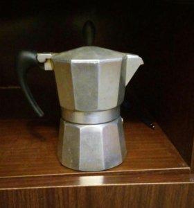 Кофеварка из италии