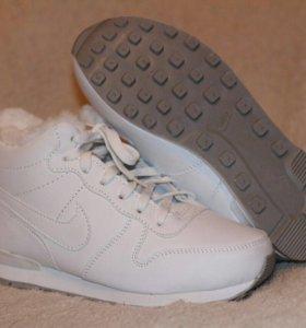 Кроссовки женские Nike зимнее