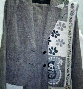 Комплект деловой костюм S.Oliver с палантином