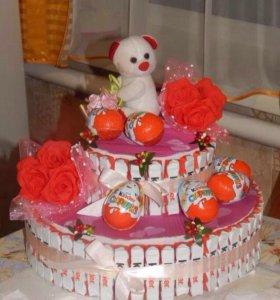 Торт из сладостей киндер !!!