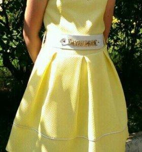 Красивое платье-для девочки