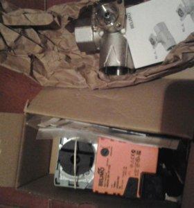Трёхходовой клапан Belimo с сервоприводом Belimo