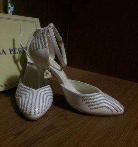 Свадебные туфли 35 р