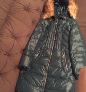 Зимняя куртка с натуральным мехом лисы ,длинная.