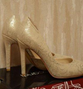 Классические туфли. Абсолютно новые