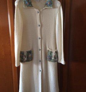 Пальто шерстяное вязаное