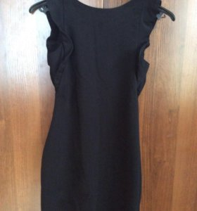 Маленькое чёрное платье Zara