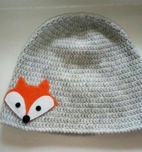 Вязаная шапка с лисой